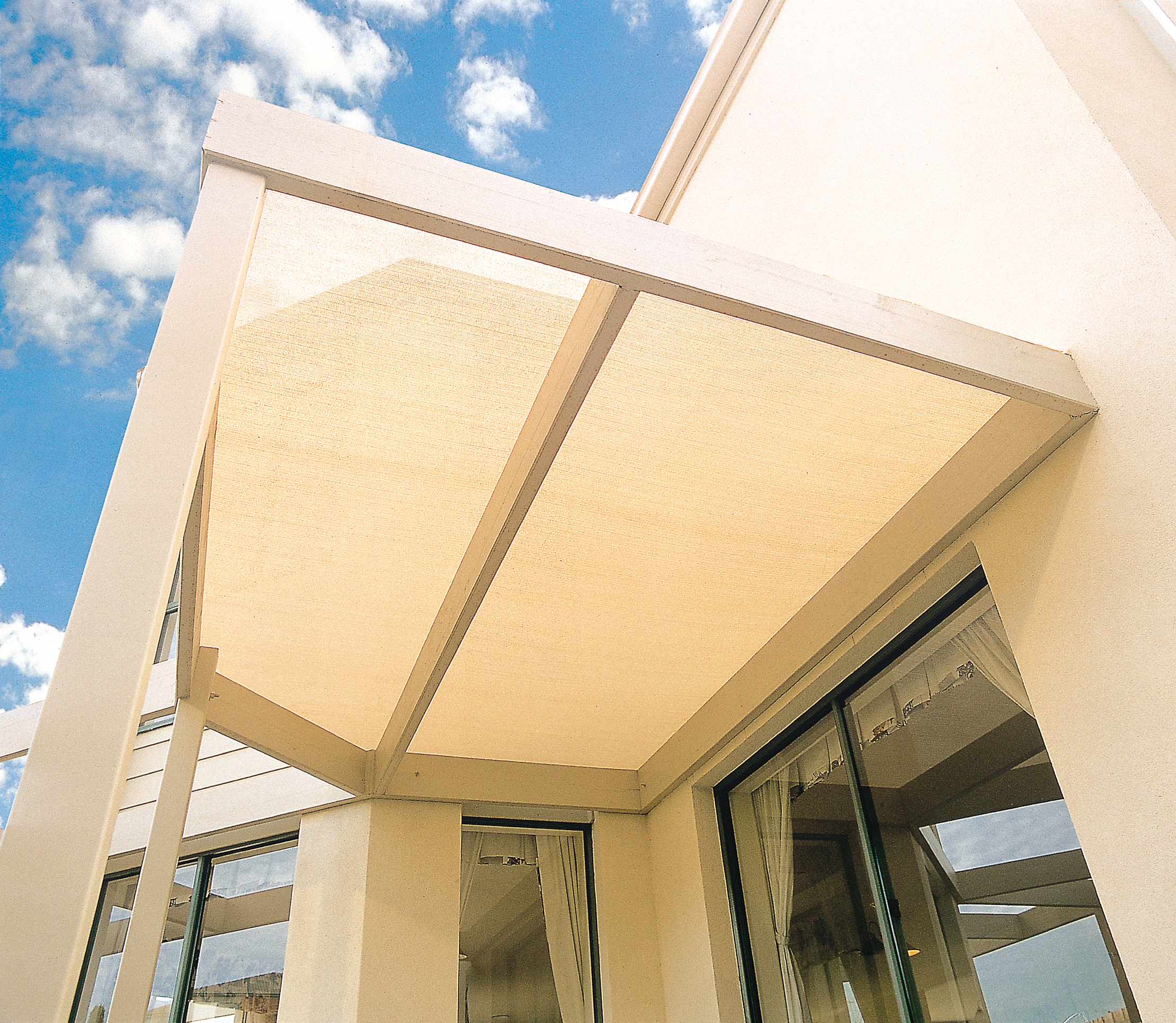 Shade Cloth Australia, Outdoor Sun Shade Fabric | Coolaroo